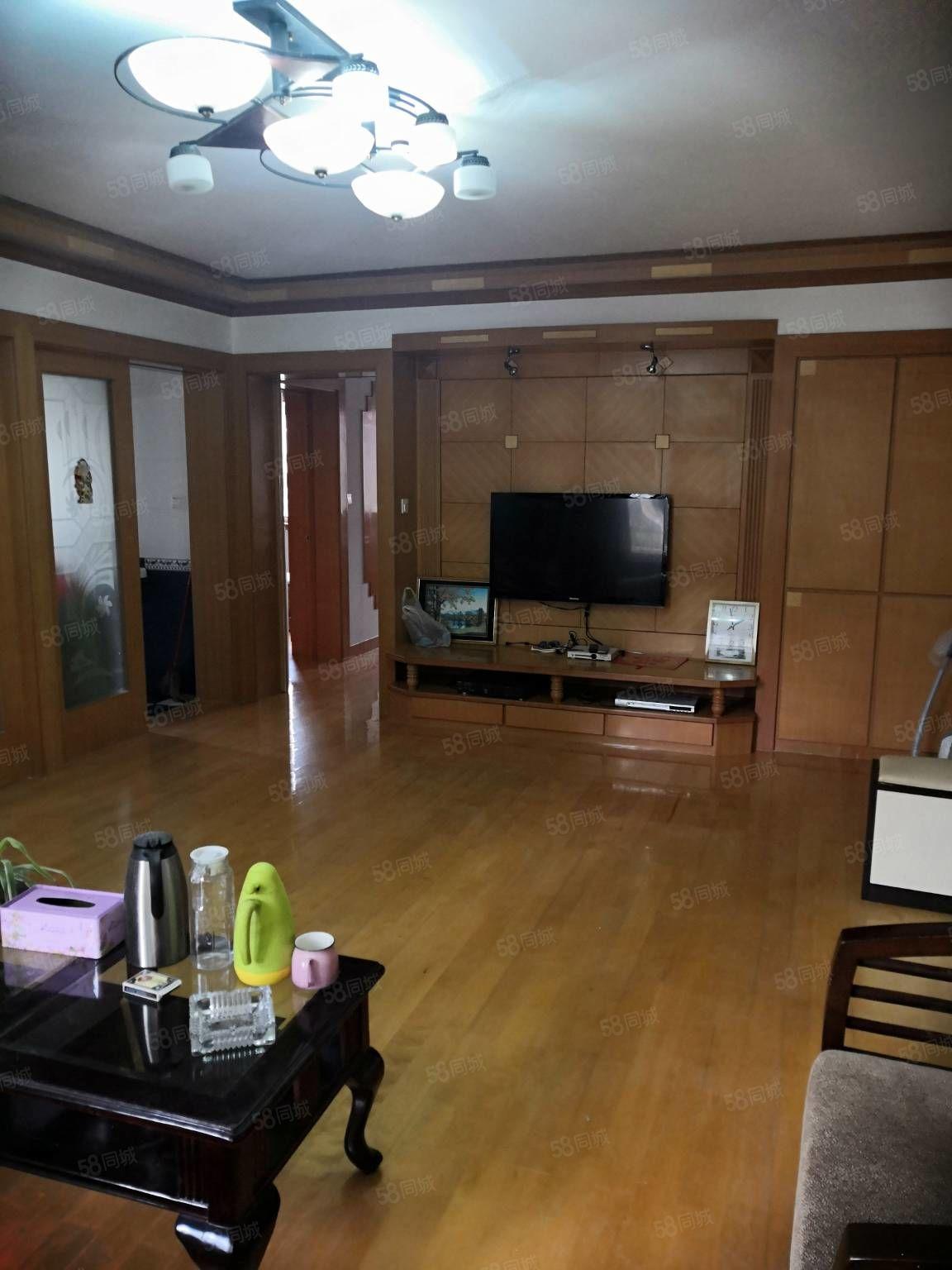 东港浦1楼113加24车棚00年房03装修出让173万急卖