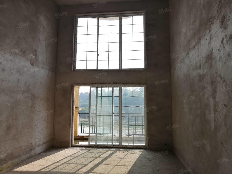 泸县龙头位置龙城御庭正中3跃4超大落地窗欧式风