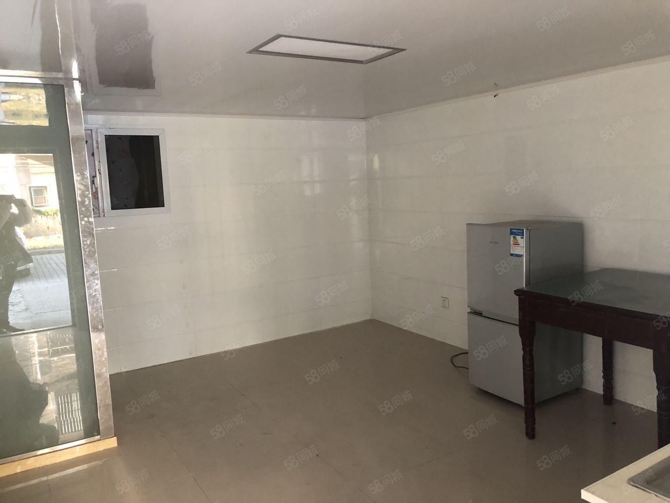南苑新村,朝阳车库,大润发附近,有空调冰箱热水器独立卫浴