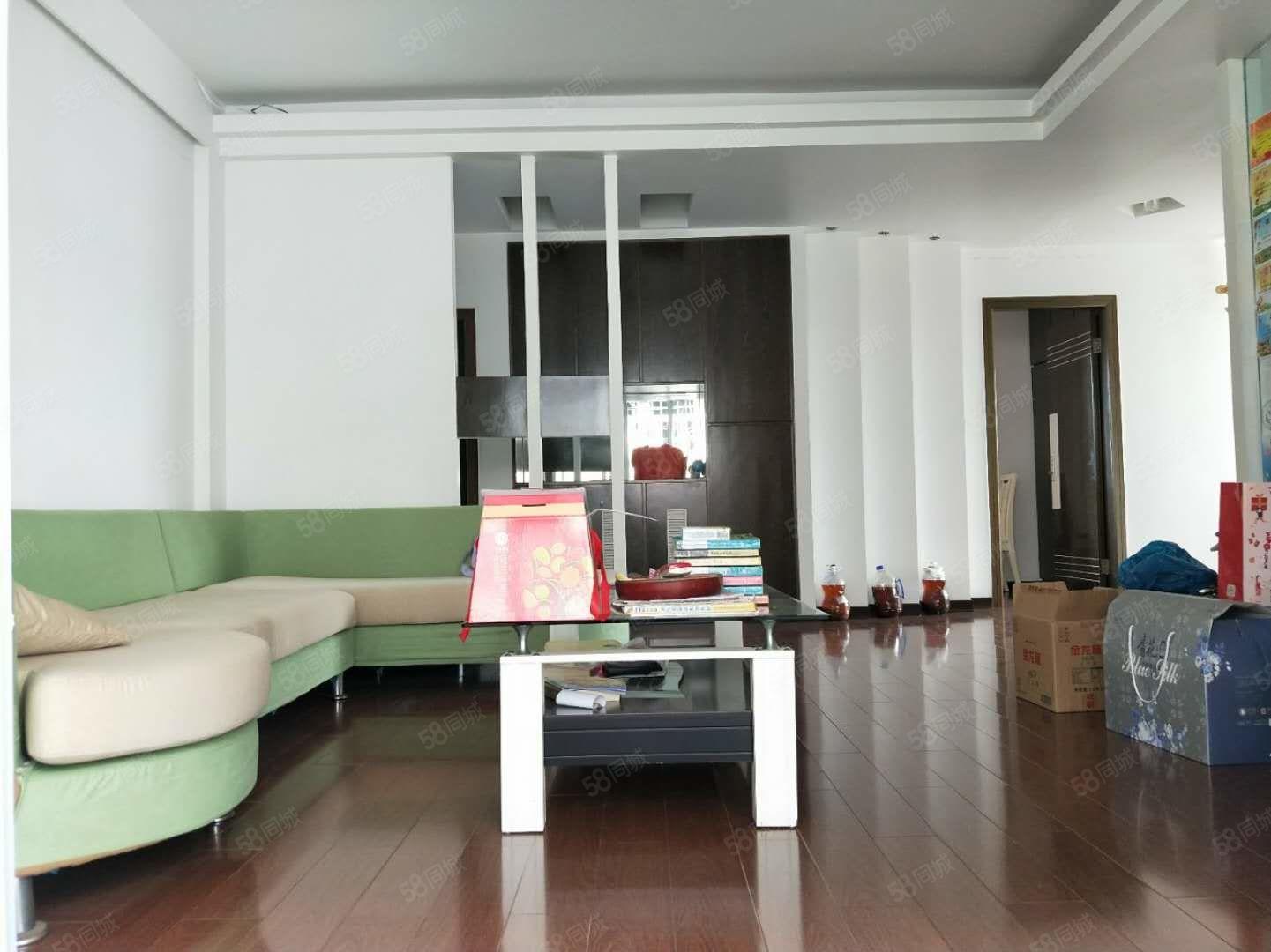 荷园新村3房2厅2卫2阳台超低首付值得拥有急售急售