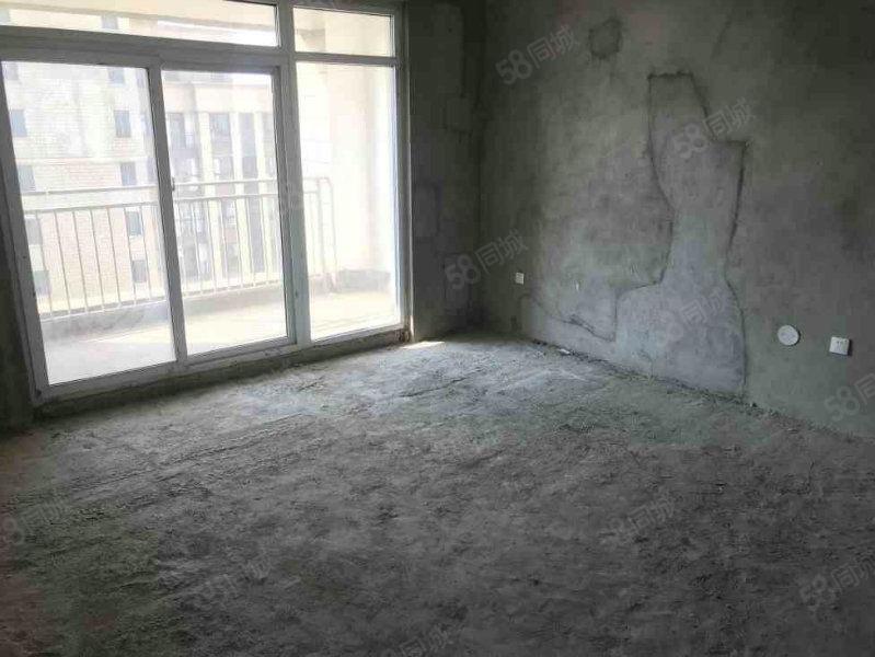 东来尚城3室2厅南北通透采光无敌有证可按揭可公积金