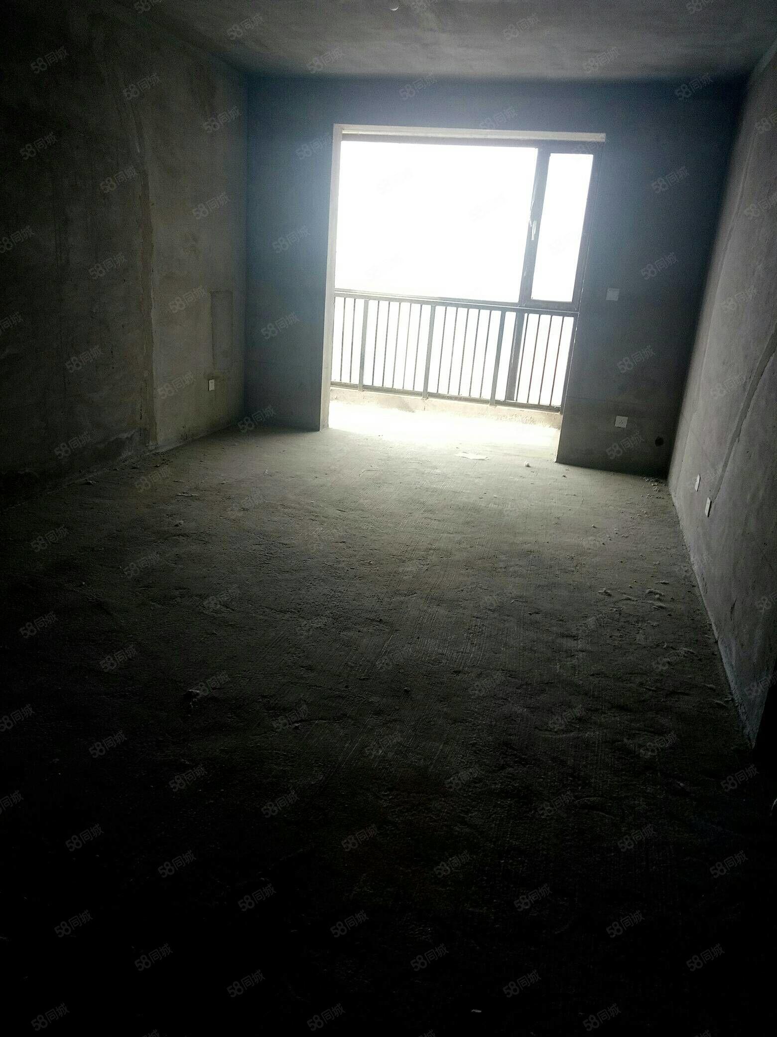 (可按揭)春晖广场商品房113平米