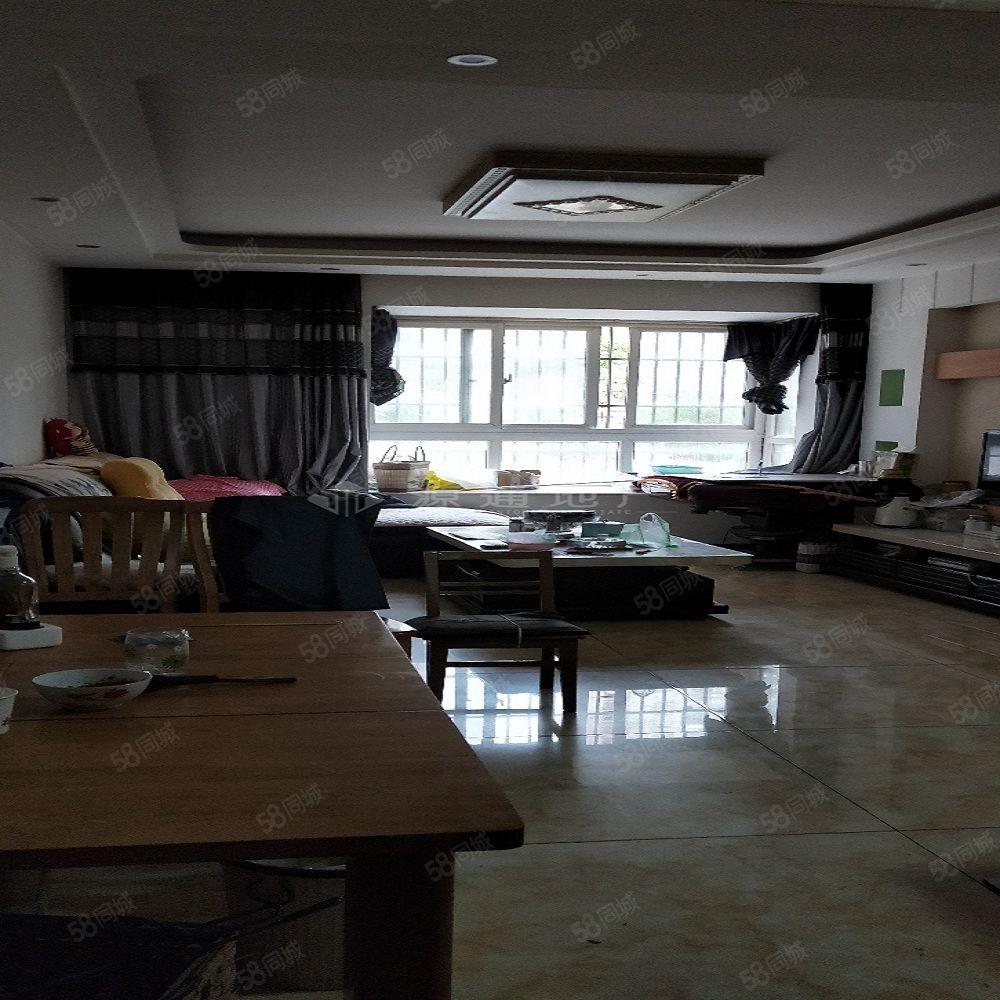 碧阳国际城三室一厅两卫精装住房出售