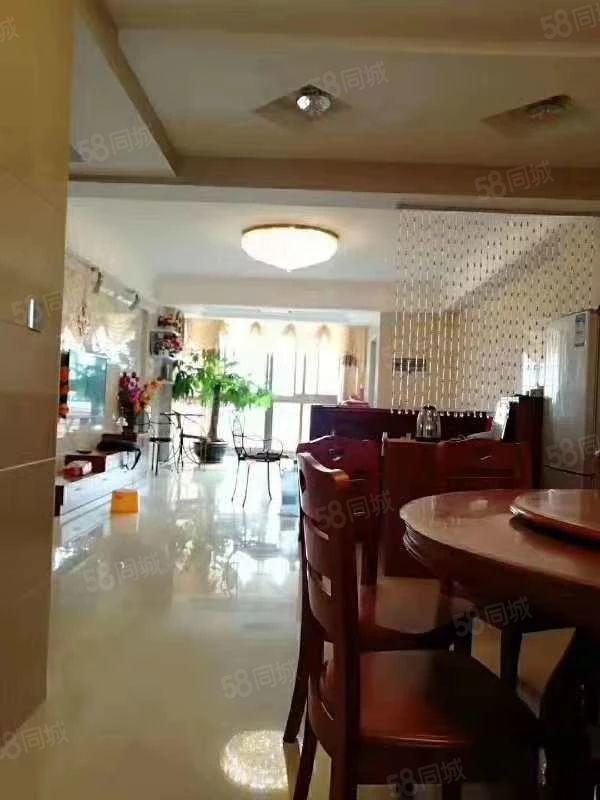 丽水鑫城套房出售,两证齐全,精装修,送家具家电可拎包入住。