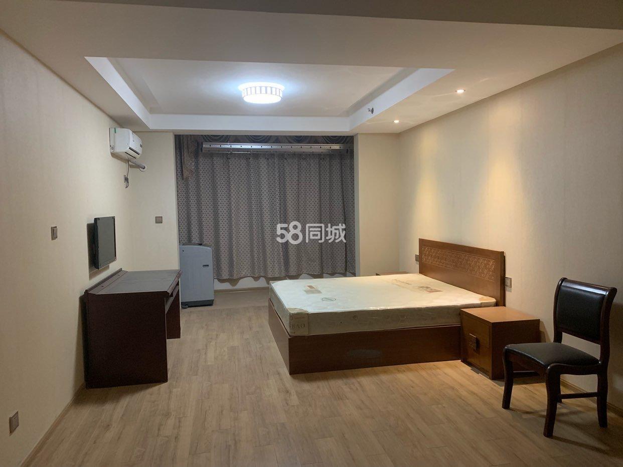 景湖铂领公寓1室1厅1卫