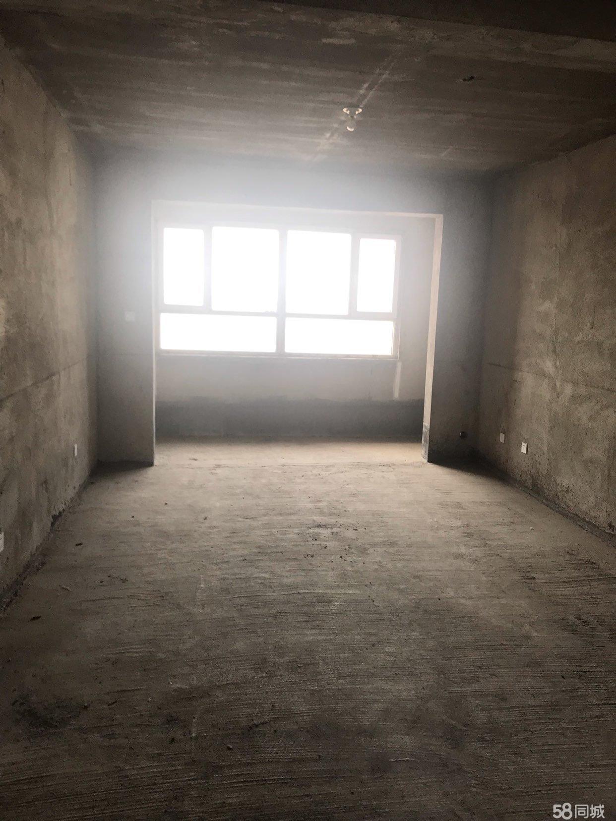 急售天瑞花�@3室2�d1�l毛坯房西���121平米