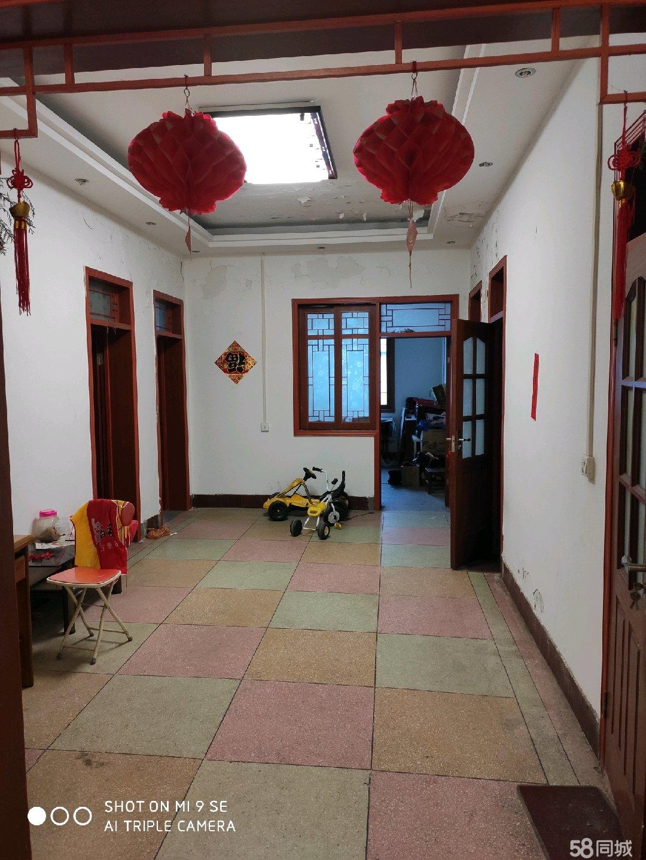 兴荣市场步梯套房2楼,5室2厅1厨1卫