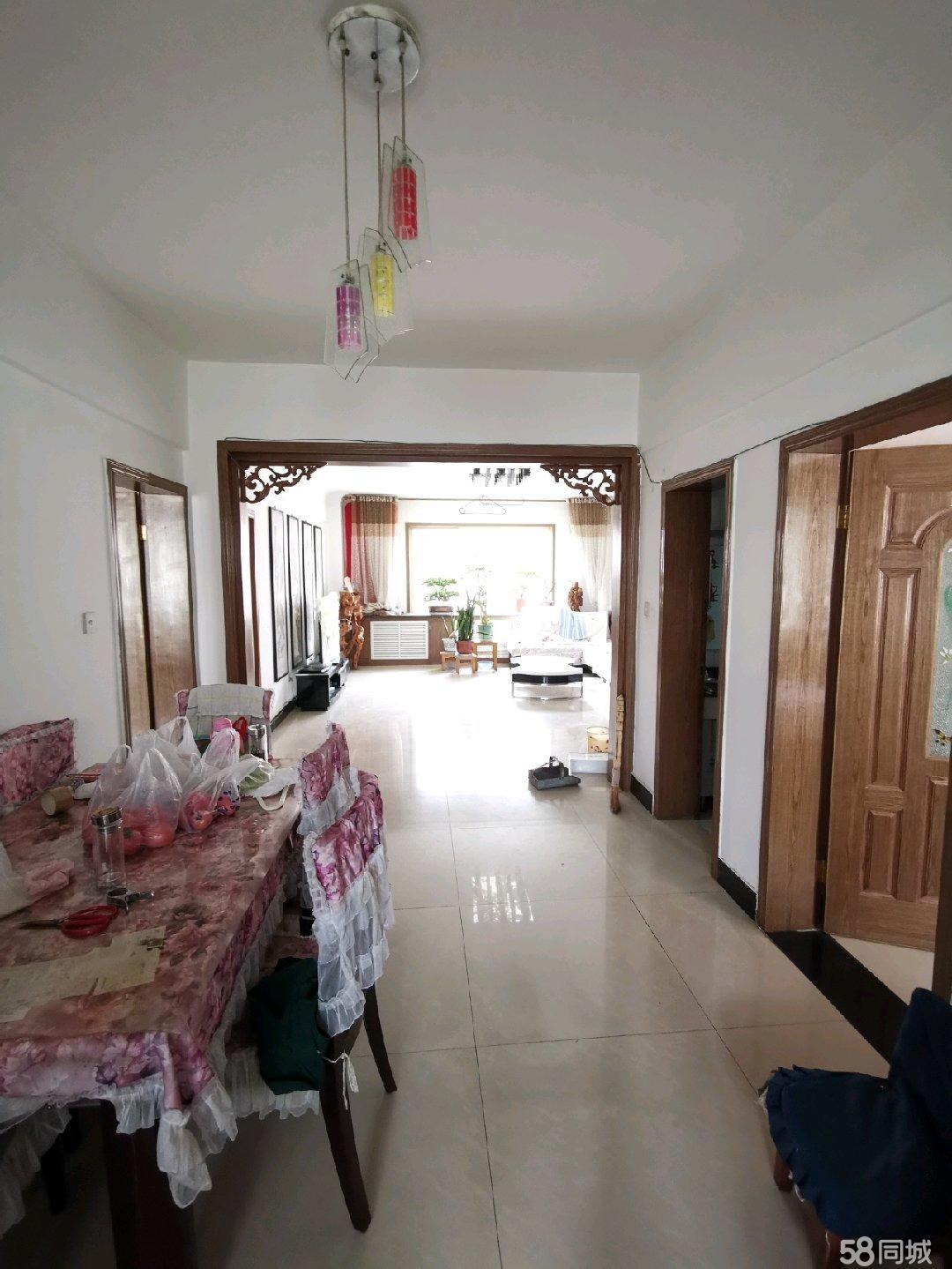 武山县工商局旁住宅楼精装修低价出售