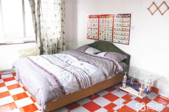 二醫院花園里2室1廳55平米簡單裝修半年付押一