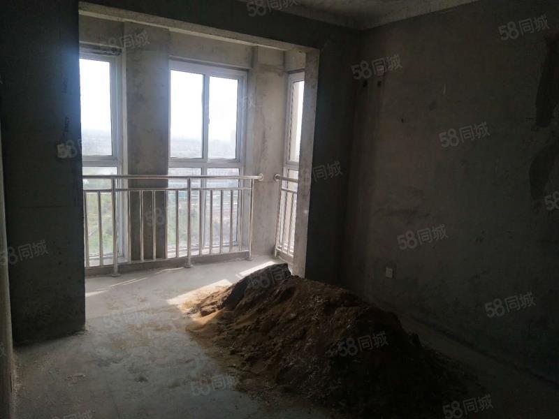 水岸花城电梯四室二厅二卫毛坯,南北通透,送露台平台