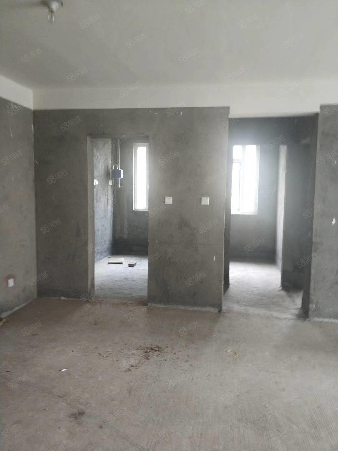 世纪城电梯房边户经典户型南北通?#22797;?#19977;室价格很合适房东急售
