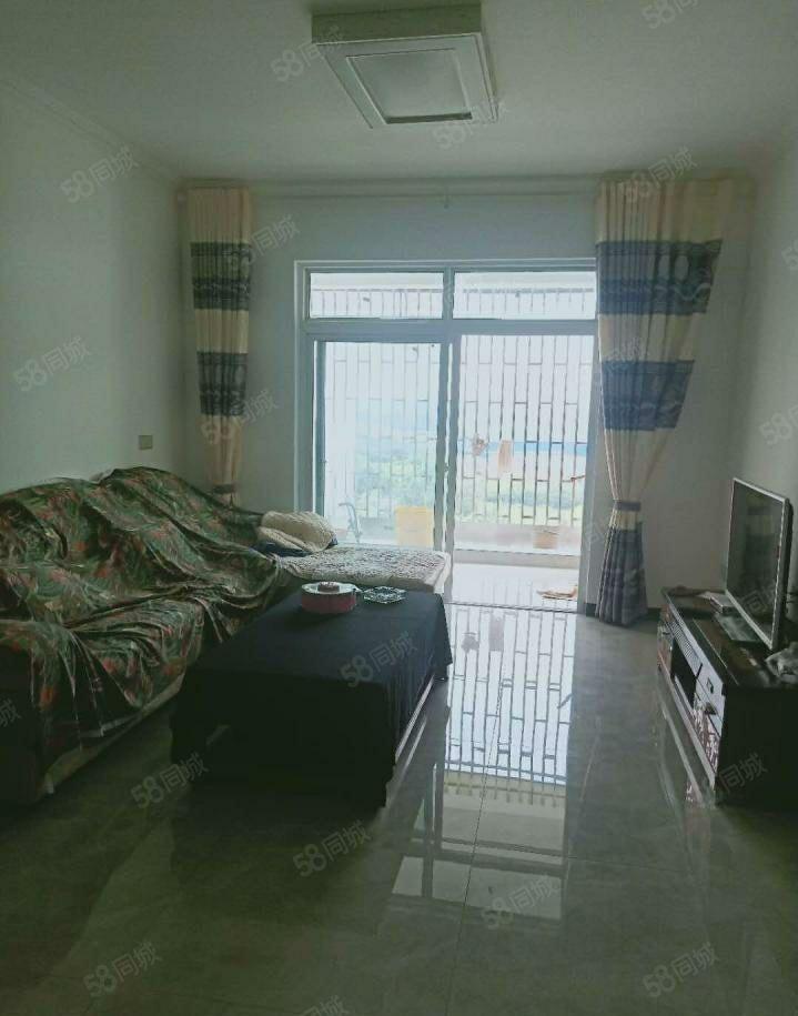 玉蟾花园精装两室?#25945;?#19968;卫,1200每月