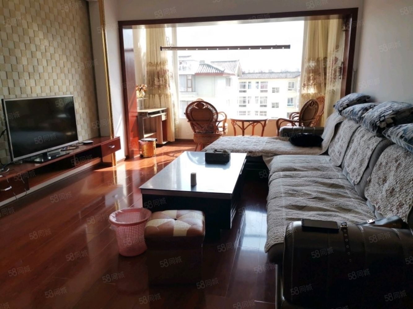 德立商业广场两居室精装修好房出租带家具家电可以拎包入住可看房