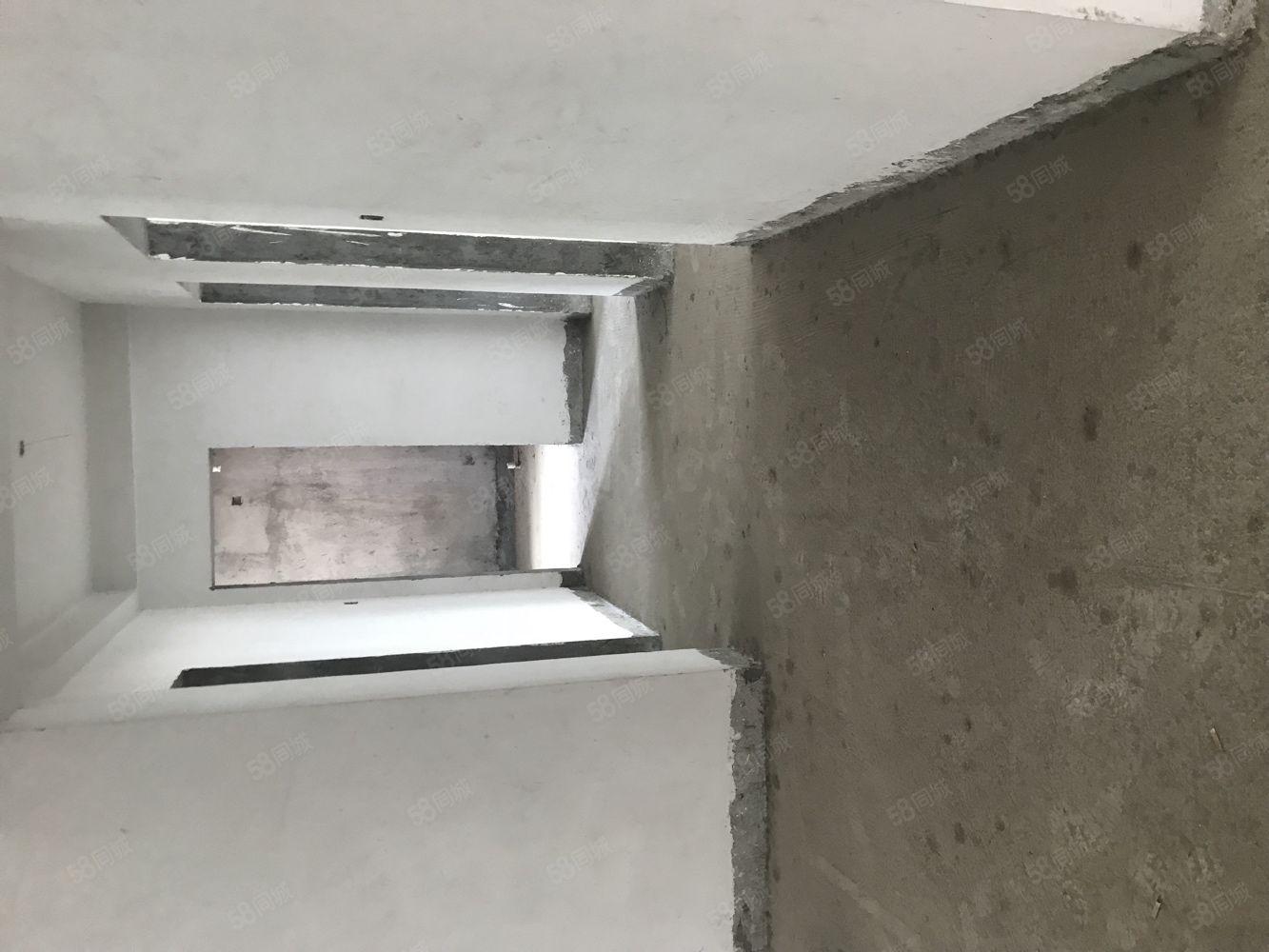 翠竹花园毛坯房3室2厅2卫