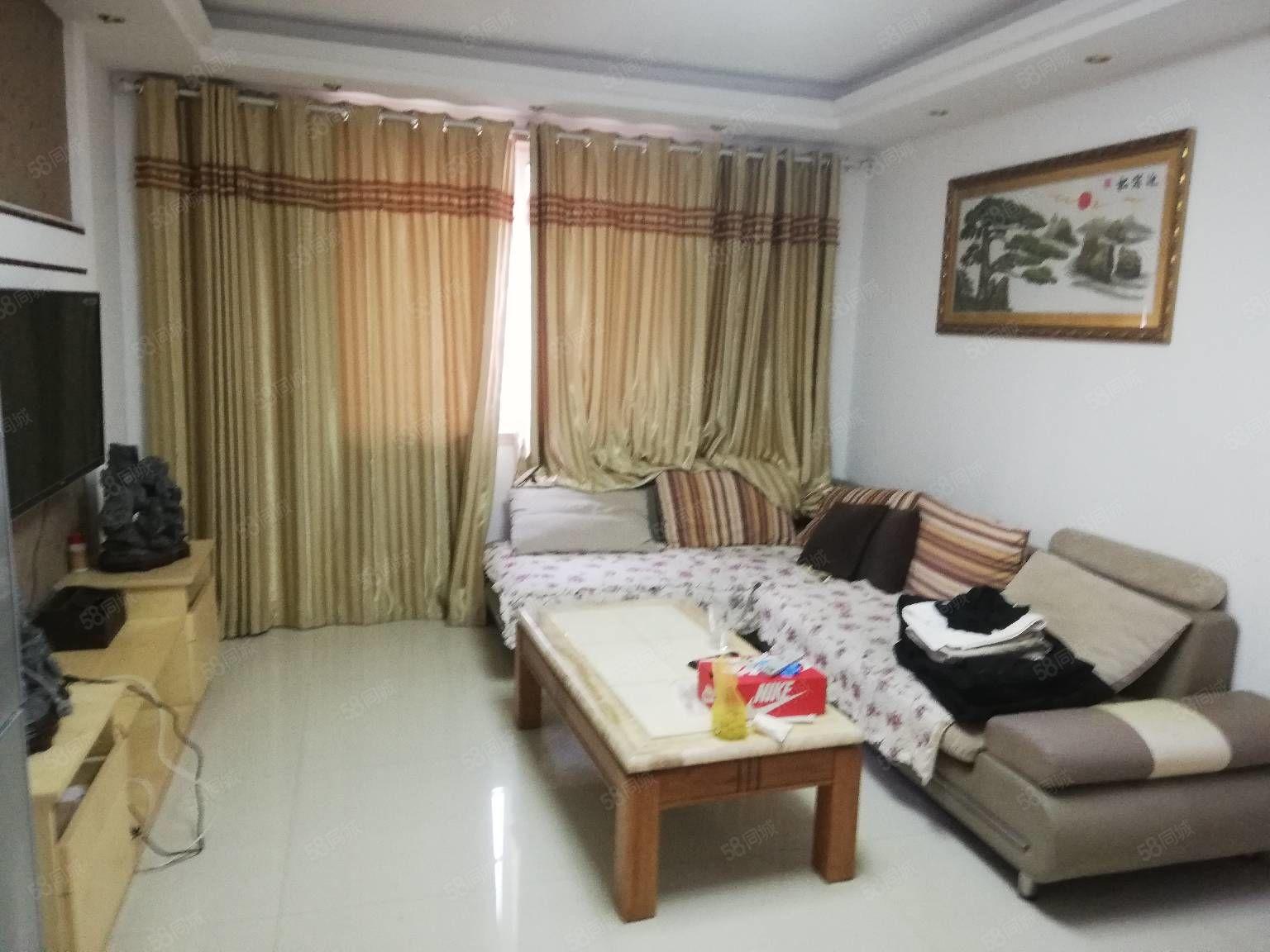 万象城新出的出租房,家具家电全配可以随时看房,现在等着对外租