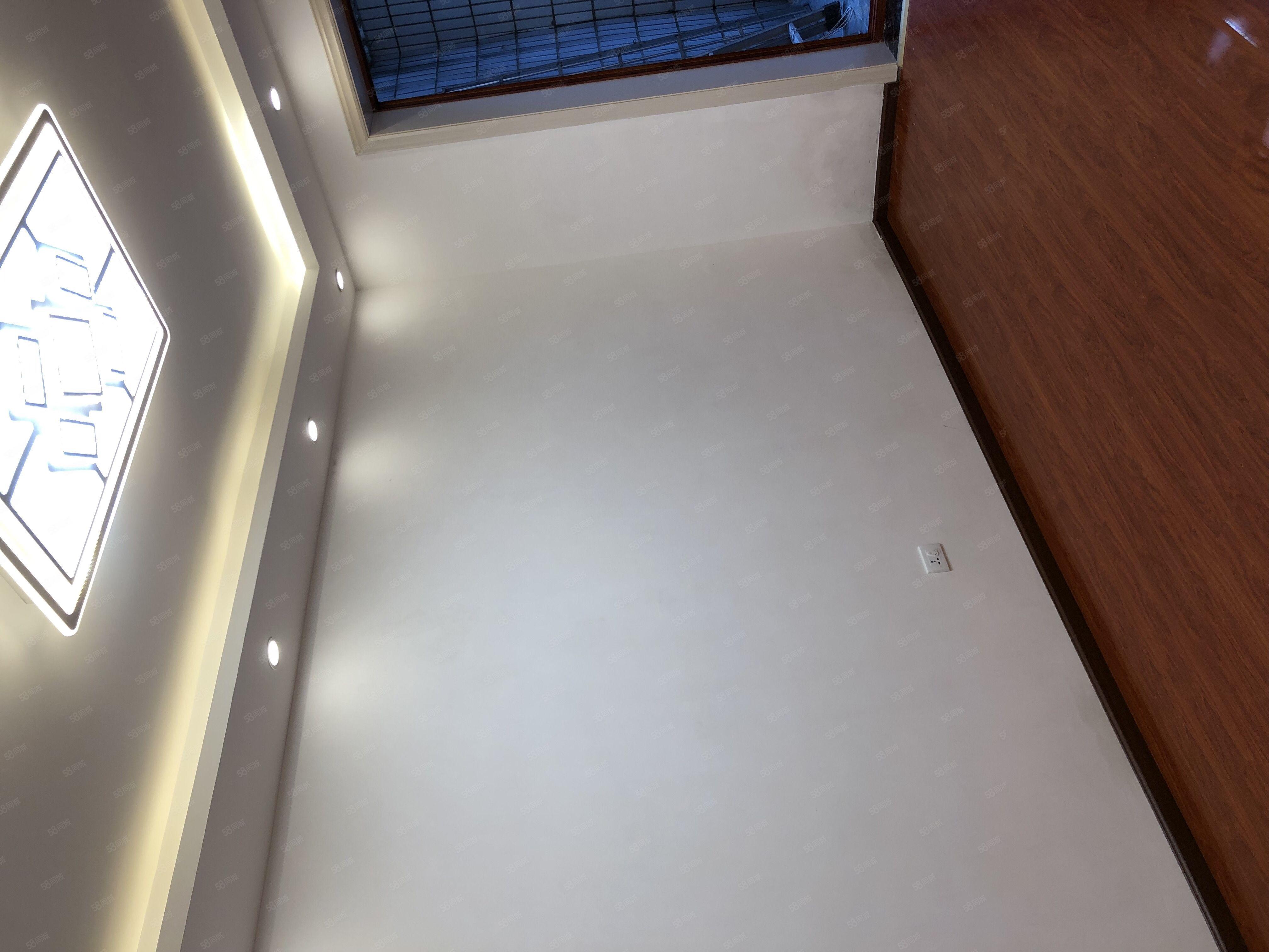 售觀水巷5號精裝修雙名校帶花園標準3室92萬
