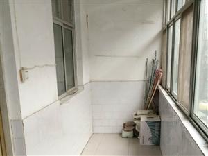 五一路5楼两室南北通透两间通阳台有暖随时过户