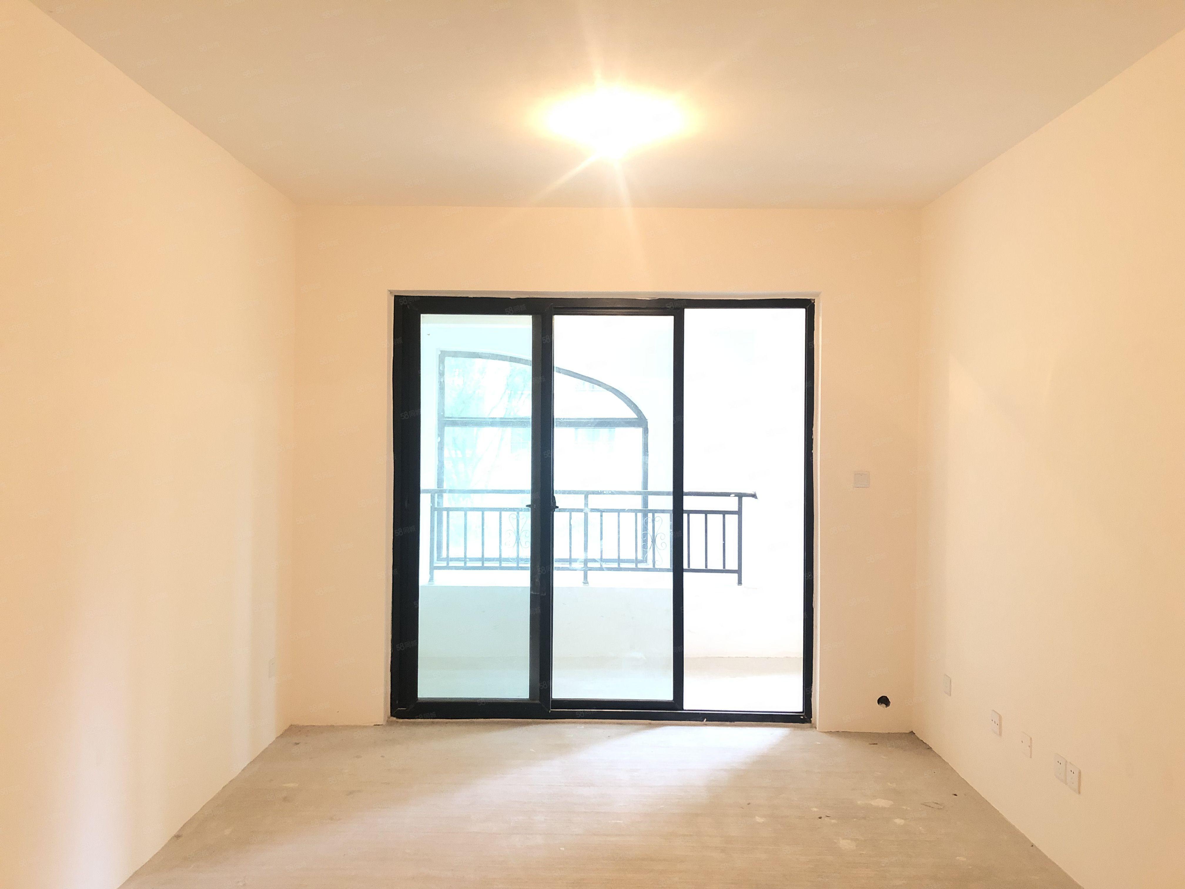 清水大套三客厅主卧带阳台首付20万可按揭手慢无单价美