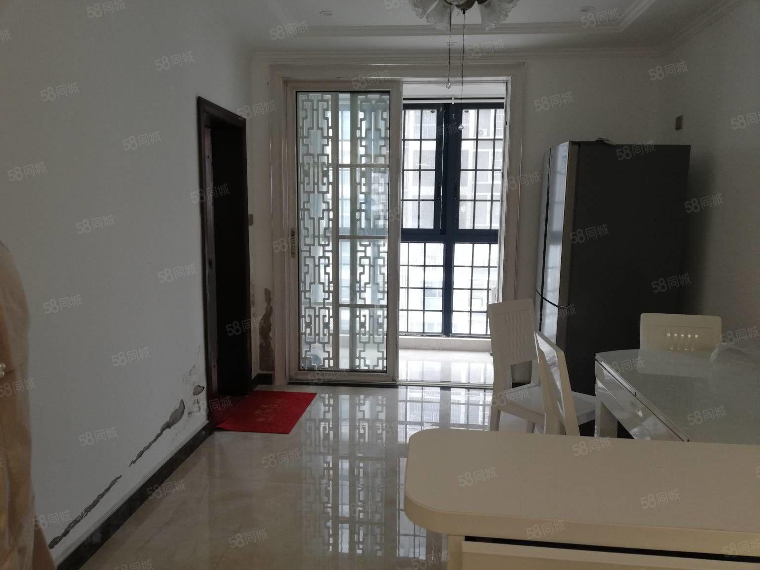 奥泰克中央公馆房屋出售,110个平方,环境好,交通方便