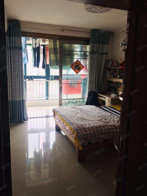 姜堰学区太阳城多层5楼97平19储可住人三室中装65万