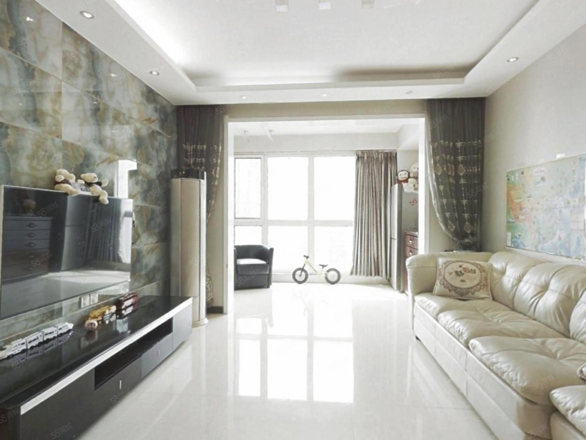 西三環湖光苑精裝三房均價一萬二首付低業主