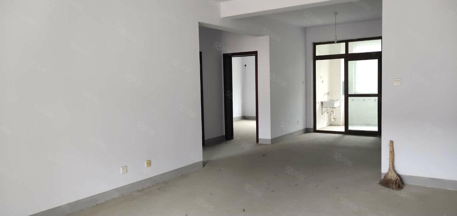 城東豐輝家園,南北通透,中間樓層,清水房,誠意出售