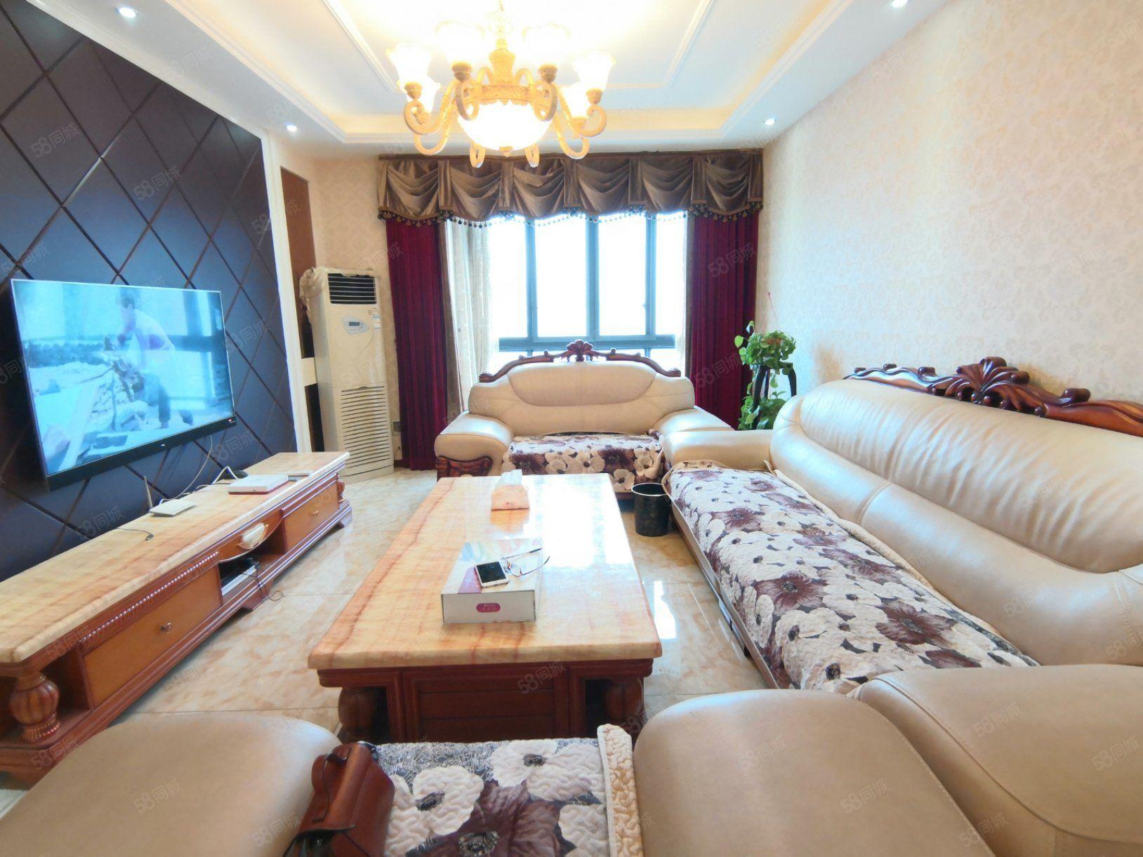 锦江广场附近锦江国际3房2厅精装江景房出租