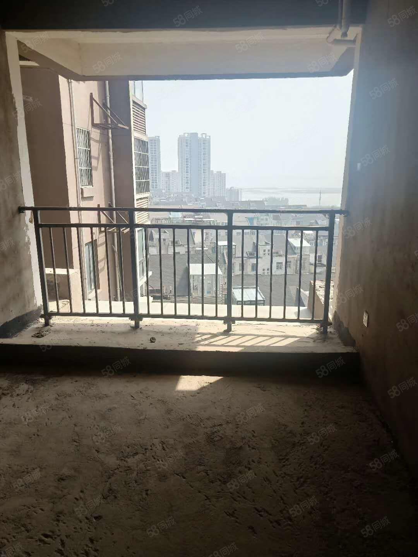 新城區常綠九鼎觀湖房毛坯四室130平僅售80萬隨時看房