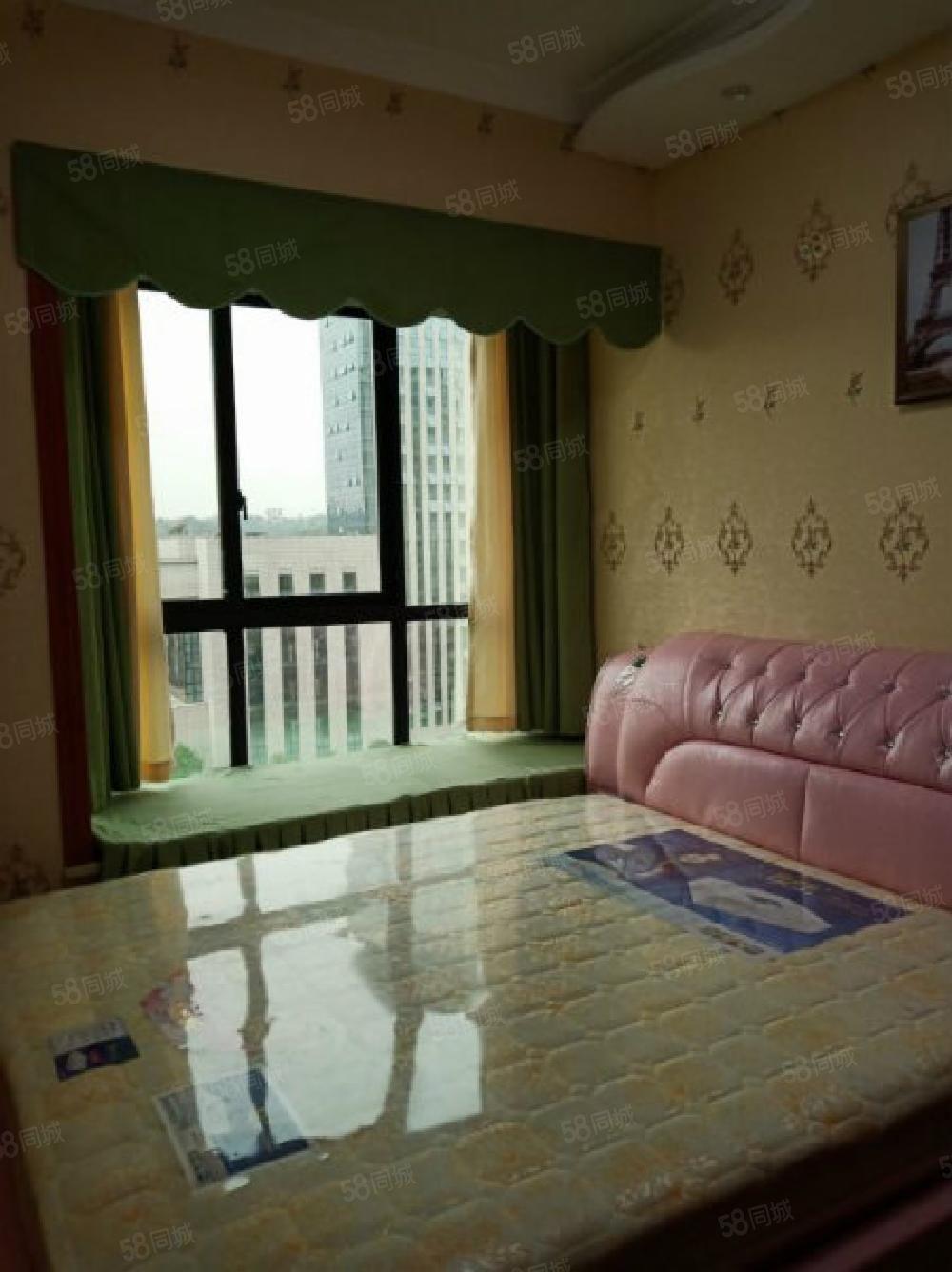 急售东南片区豪华装修4室物业好环境好周边配套齐全
