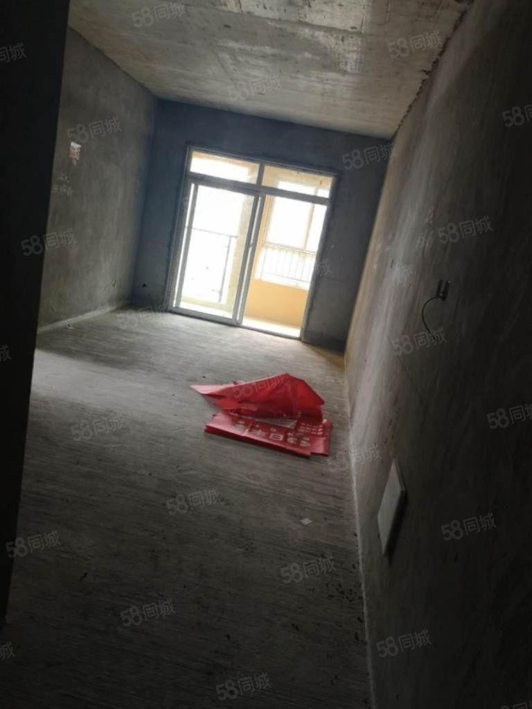 东城明珠116盘电梯房三室,价格可小刀,手慢无