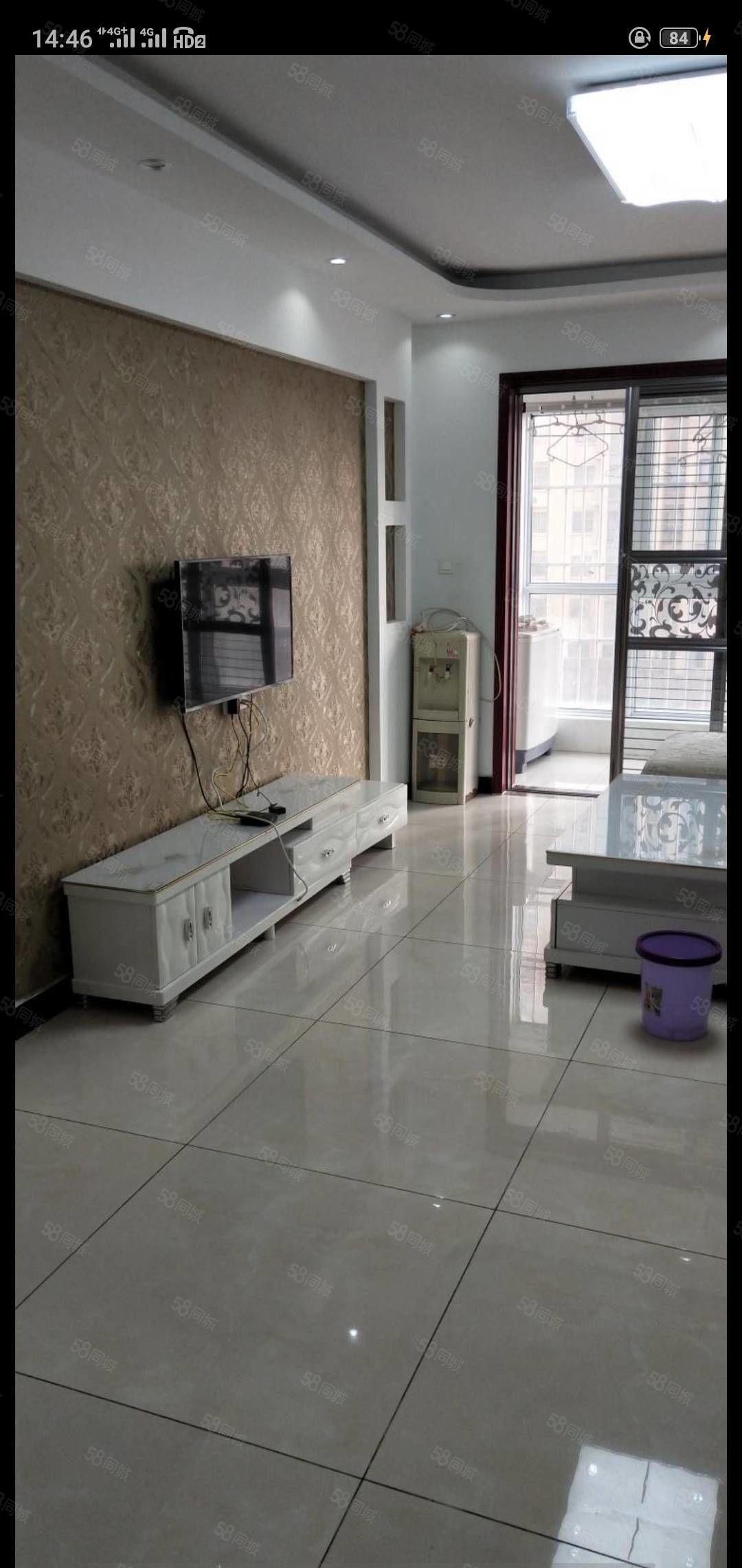 星河湾3室一厅精装修出租