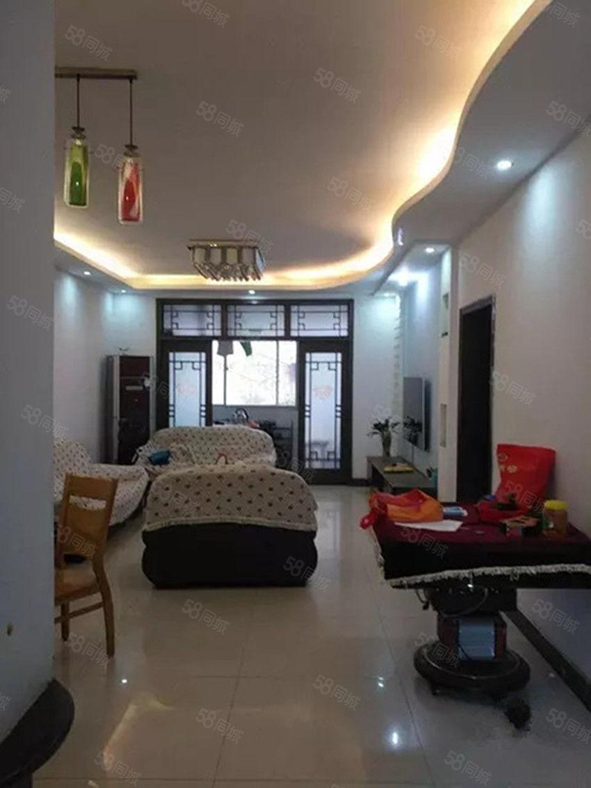 白坡仁和小区两室一厅一楼带80平院子停车方便家具家电齐全