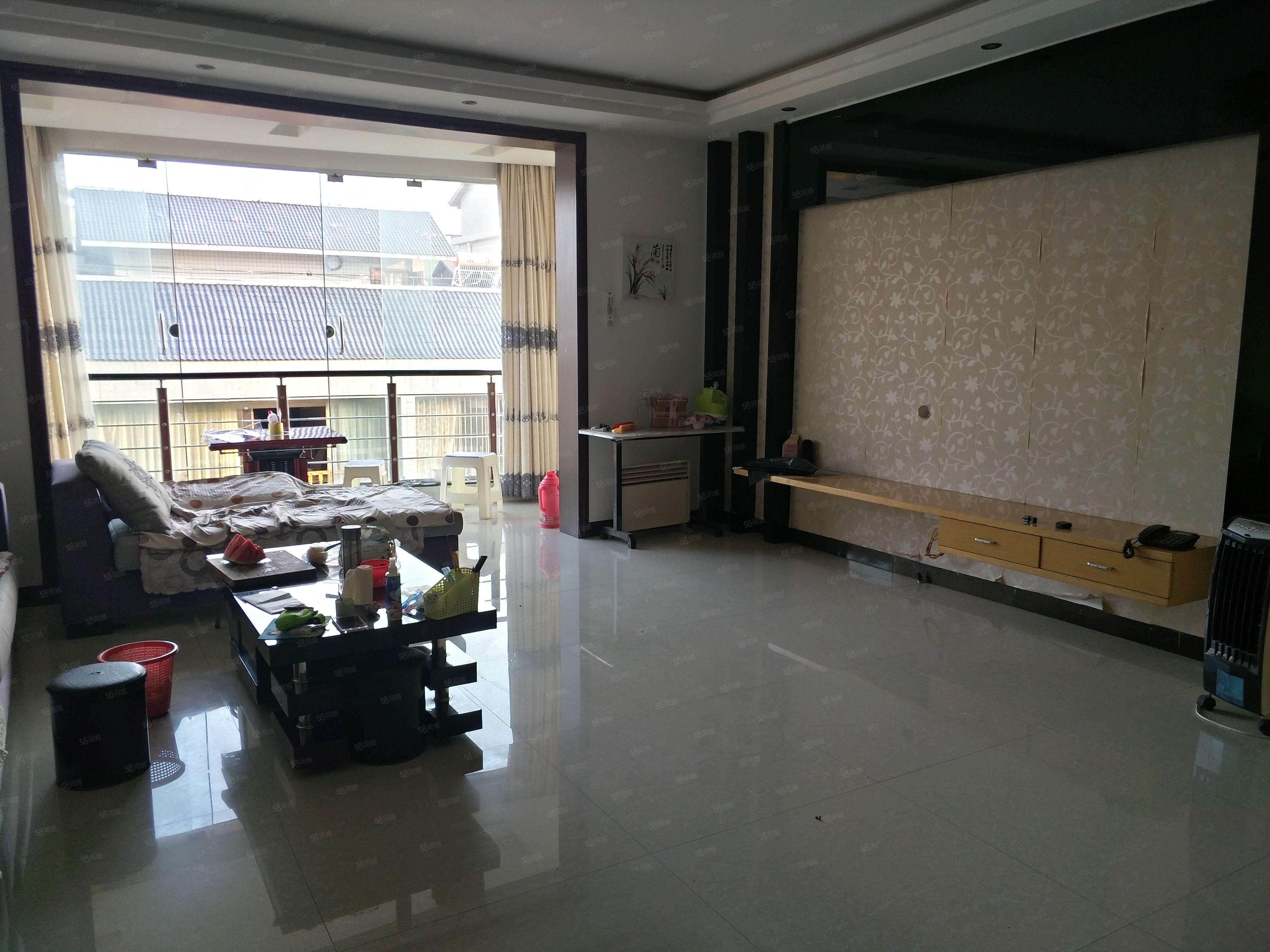 《福平房�a》金福�G州130平三室出售步梯3�鞘�r44.8�f