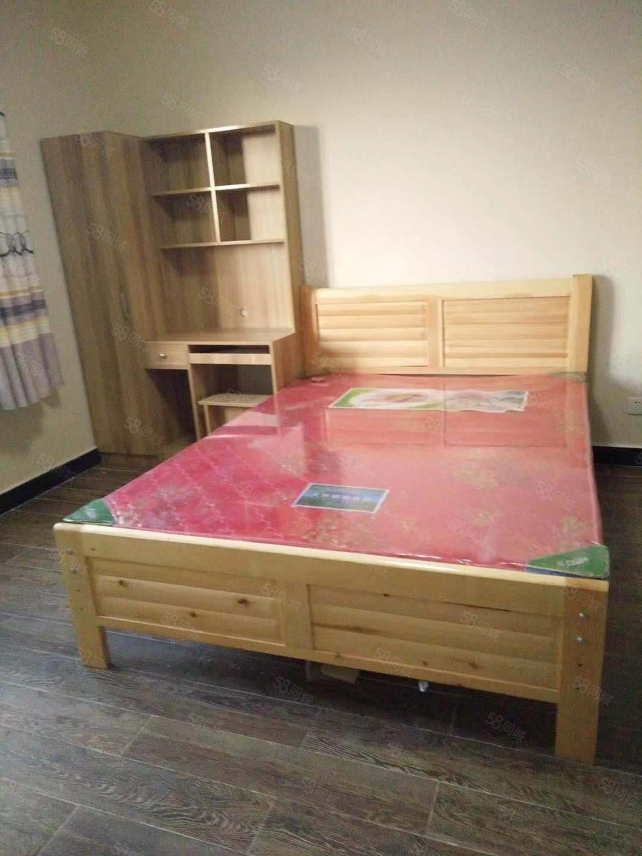 世纪名门17楼公寓楼单间带卫生间精装修带家具热水器
