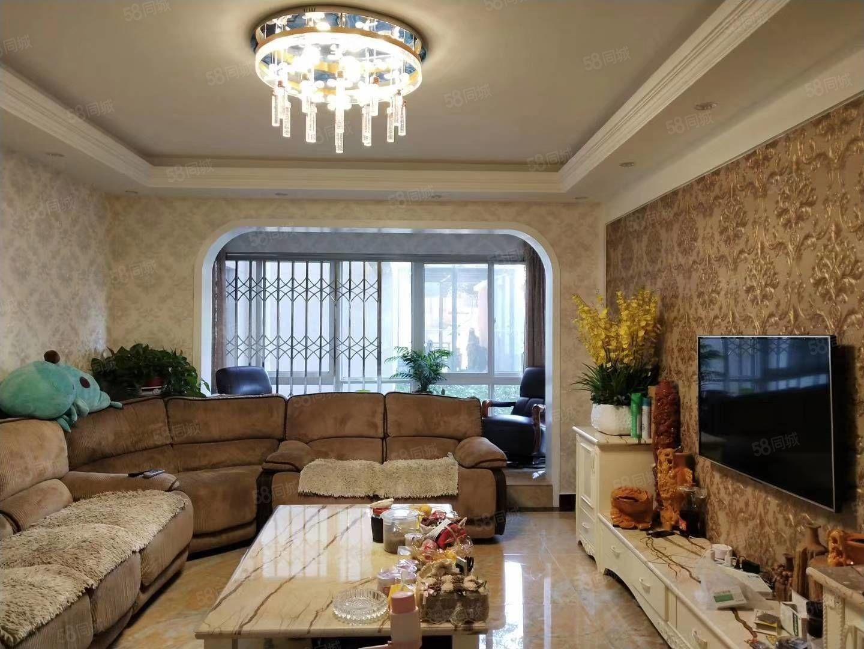 大理十畝,1楼,单价壹万零捌佰,精装修,赠送一个储物间,急售