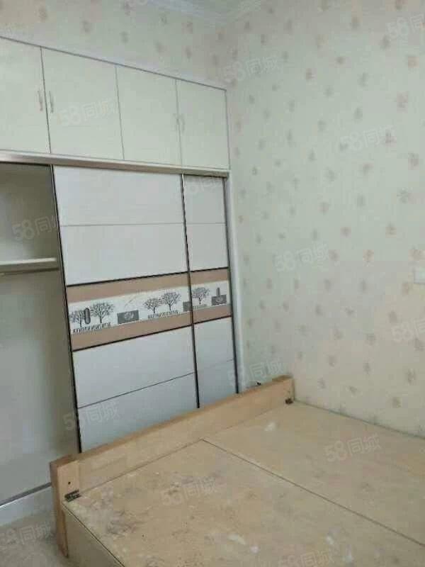 金都上城三居室包含�w��40平米72包�^��