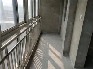 银泰华城,142平方,大三室两厅两卫,毛胚115w,三室朝阳