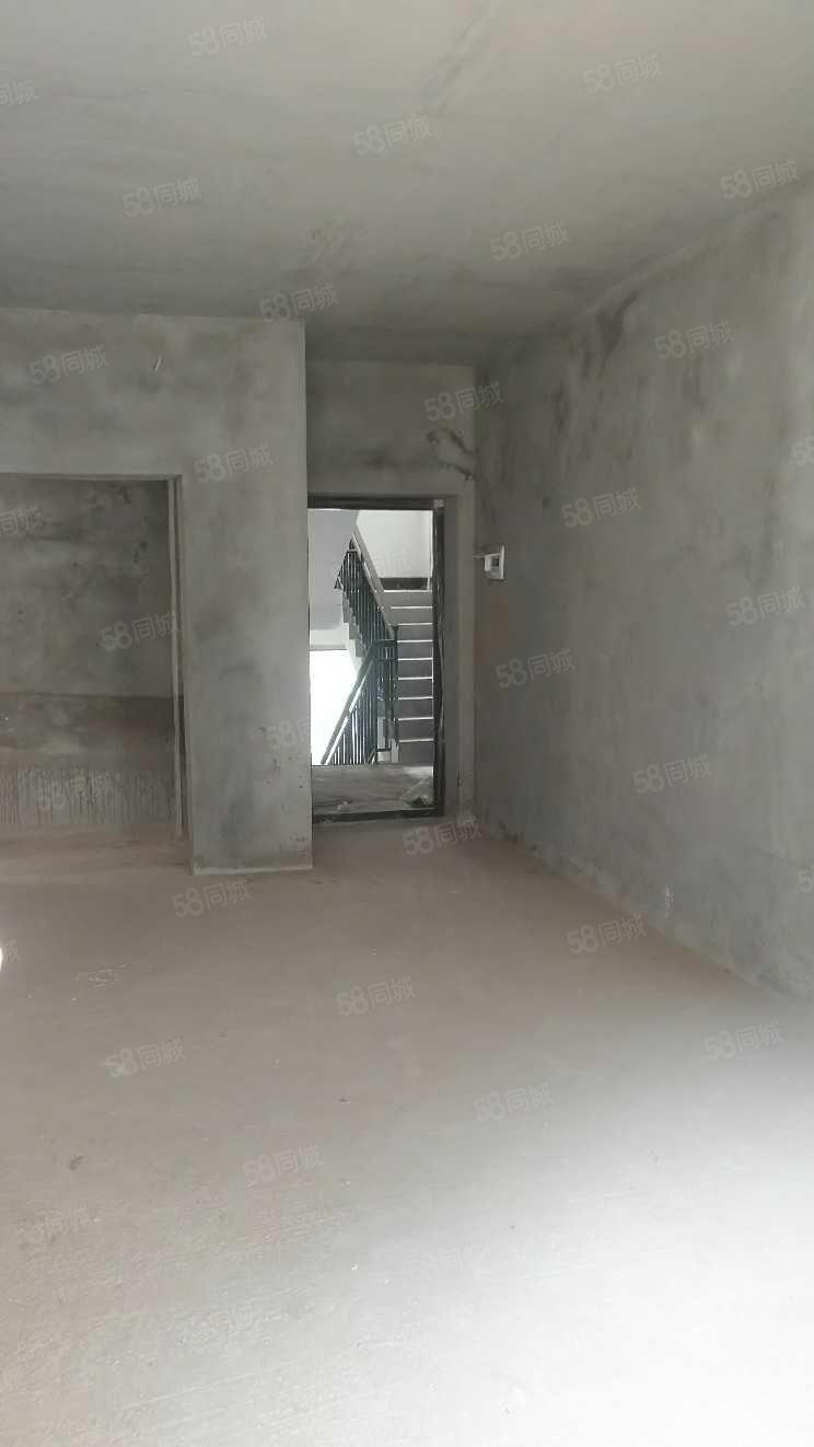 (新)北部新区丶小户型楼梯房,65平米,两室,清水
