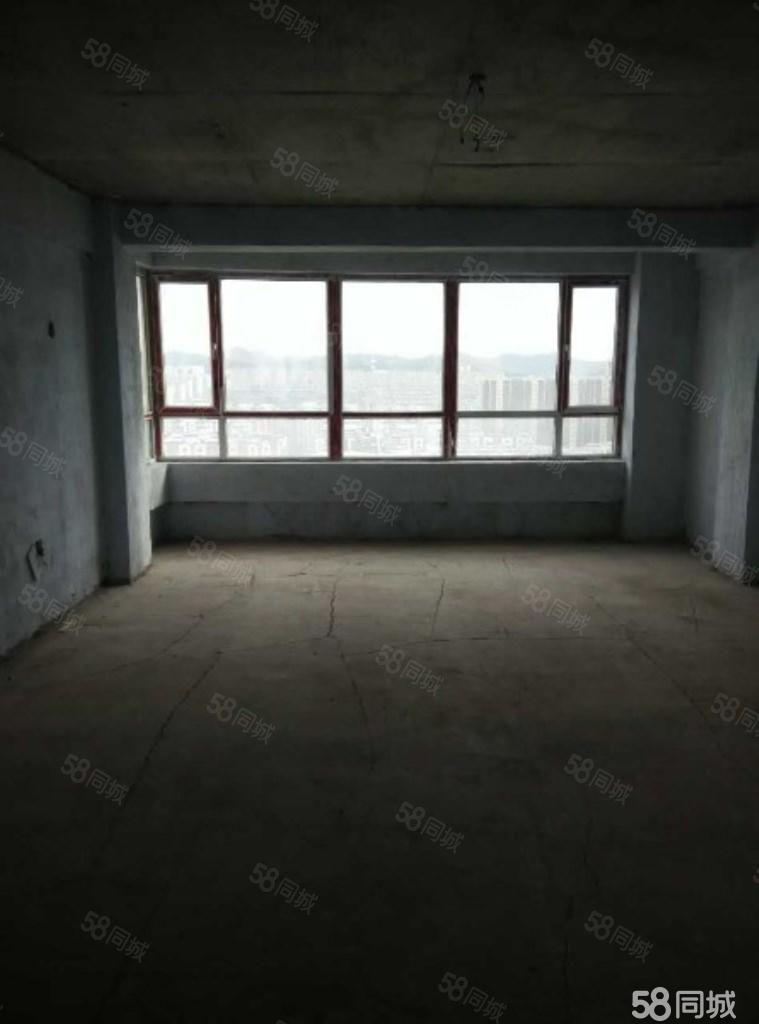 舍宅二期前排5楼三室二厅毛坯落地窗格局好