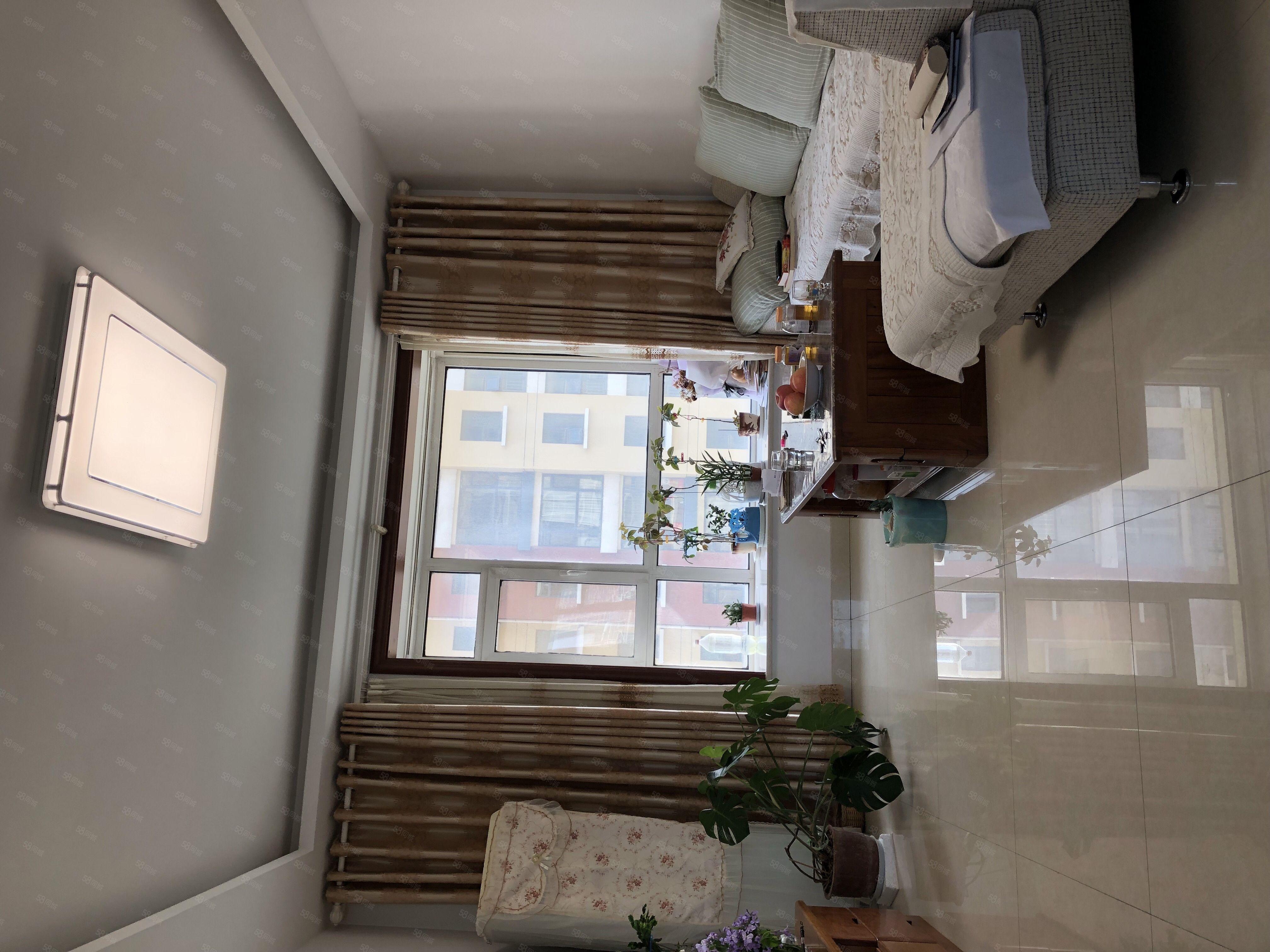 沂州花园精装拎包入住二室朝阳客厅朝阳