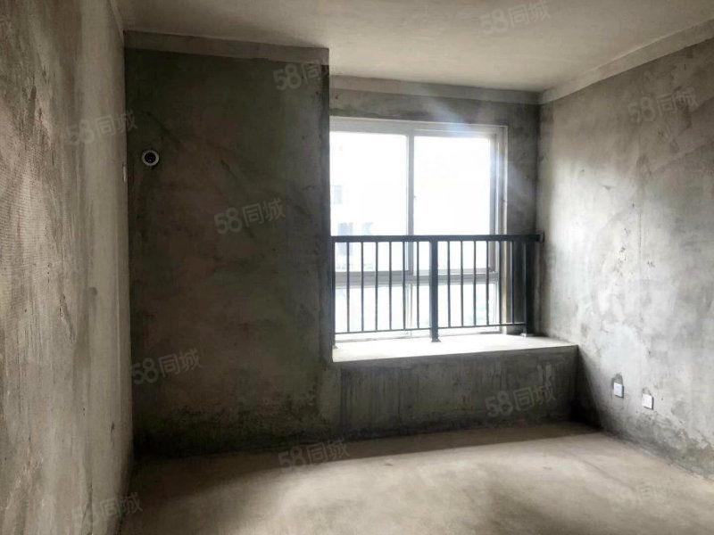 百合公馆三室两厅,交通便利,随时看房,还原房可改底单无需过户