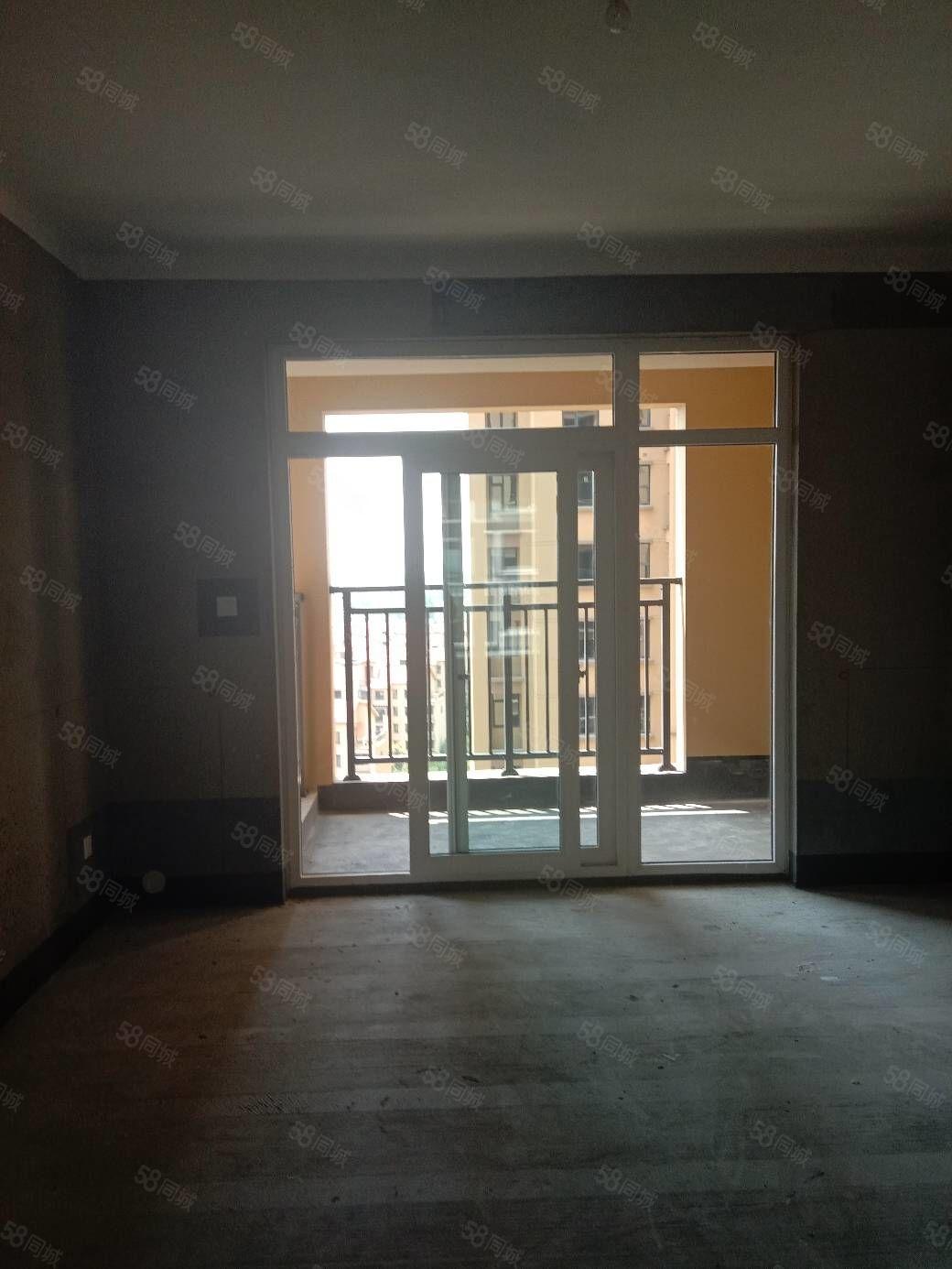 建业洋房,142平方三室两厅两卫毛房,南北通厅通透,双卧朝阳