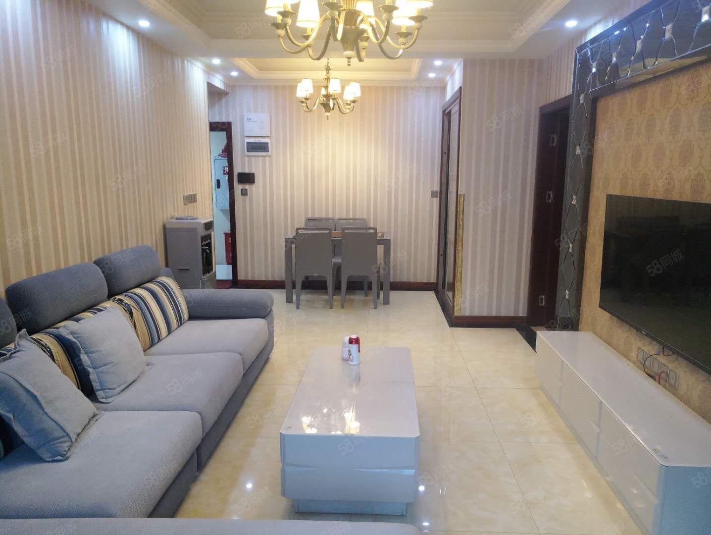滨江国际精装房一套未入住,2室,户型好,单价?#36824;?000多,