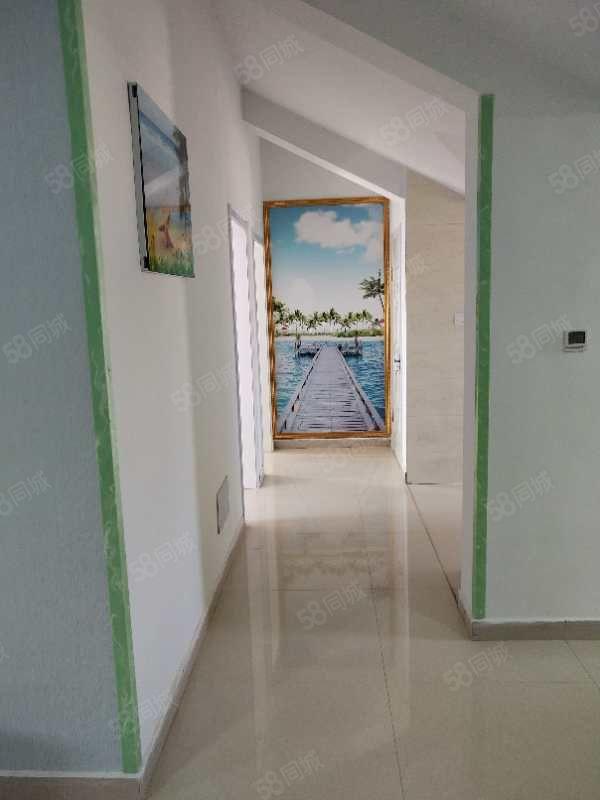 怡景园小区阁楼143平,3室两厅一卫,精装修,