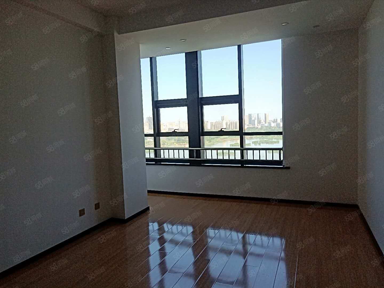 正源南街建发宝湖湾湖景公寓137平88万随时看房