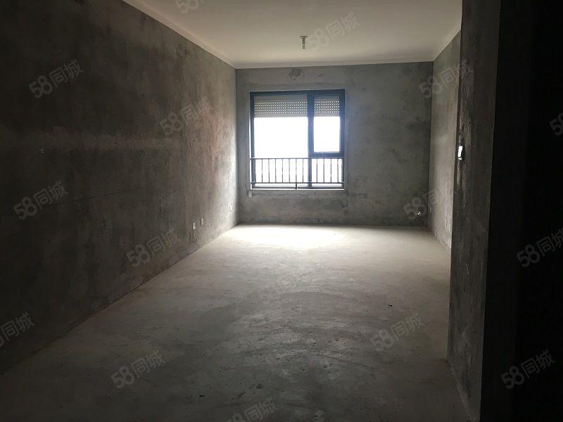 伊顿公馆全新毛坯3室2厅1卫100m168万元