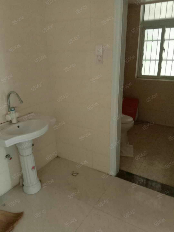 合欢苑三室两厅精装修,配套设施齐全,拎包入住,环境优美,