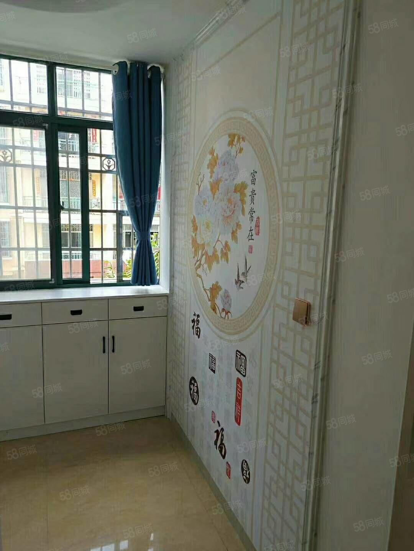 子龍,新城小學旁,精裝修,唯一一套優質房