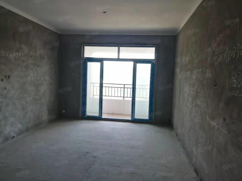 急售玉溪锦城朝南正看江房屋清水房52万,可按揭。