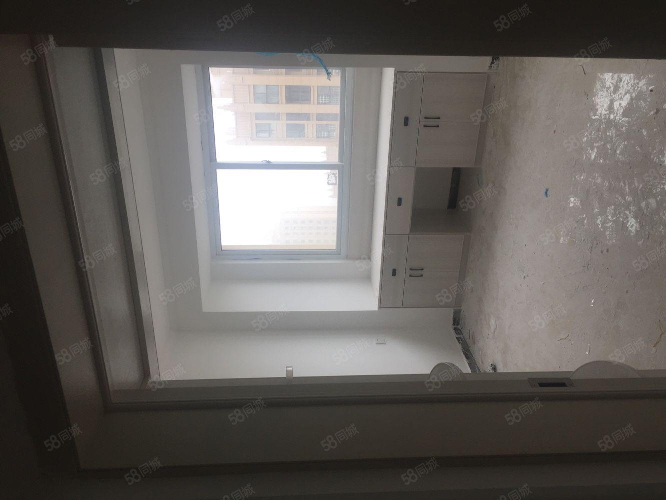 日月星城4房出租裝修好空房,配東西另議